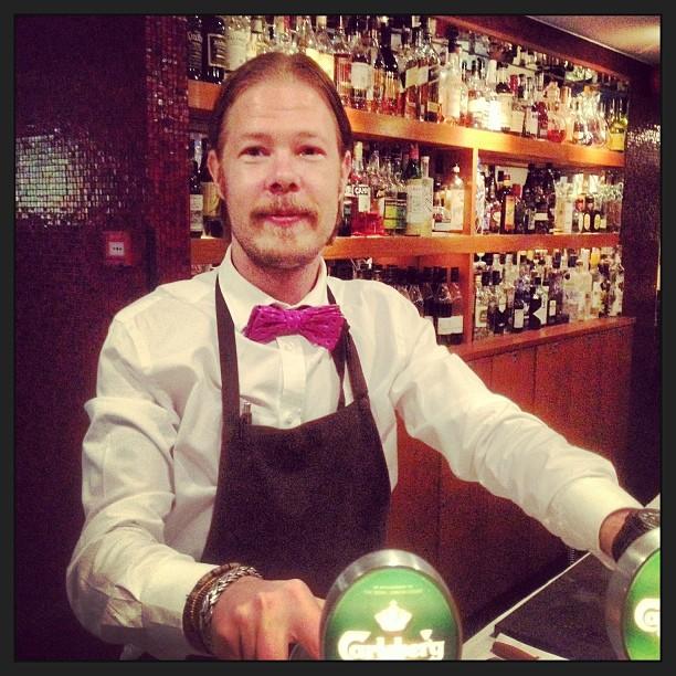Supergo stämning i baren med Gurra the man! :)