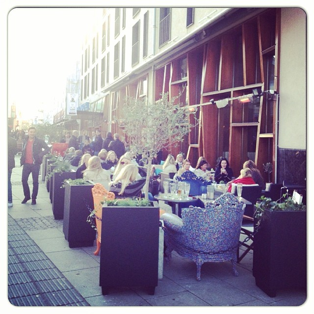 Tack vänner för att ni firar denna dag på vår underbara uteservering! #designhotels #avalon_gbg @avalon_gbg