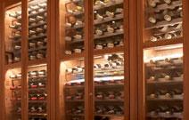 Vinrummet_glada_flaskors_sallskap