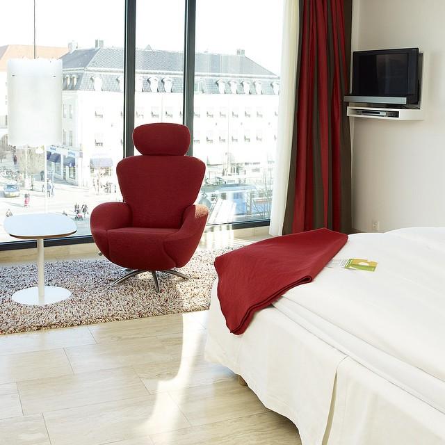 Vad gör ni ikväll? Vi har fortfarande rum kvar för inatt! Ring nu och boka eller besök vår hemsida www.avalonhotel.se 031-7510200 @avalonhotel @design_hotels #avalon_gbg #designhotels #madebyoriginals #avalonhotel #göteborg #gothenburg #design #interior #hotel #avalonism #helg