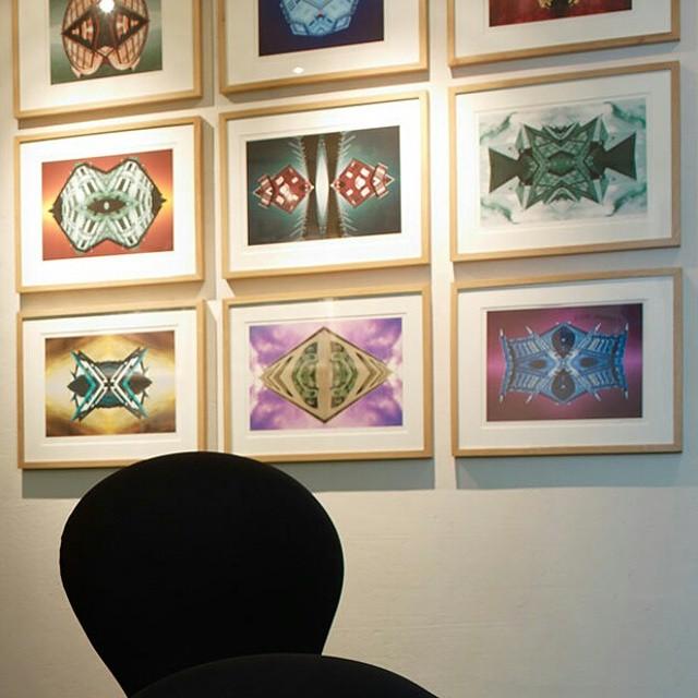 Konst har vi gott om här på Avalon! Här ser ni flera fotografin av Johan Holm från Göteborg. Dessa bilder gestaltar olika porträtt av staden Göteborg, och hänger utanför hissarna på andra våningen. Vem är eran favorit konstnär? @avalonhotel @design_hotels #avalon_gbg #designhotels #madebyoriginals #hotelavalon #avalon #avalonhotel #göteborg #gothenburg #design #interior #hotel #avalonism #konst #konstvecka