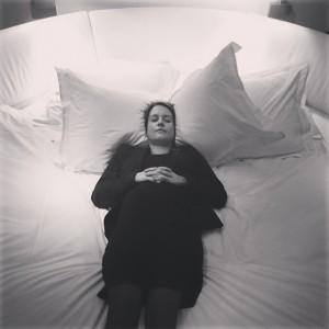 En viktig del av mitt jobb är våra kvalitetskontroller. Speciellt av våra underbara sängar! Denna i rum 69 var så skön att jag slumrade till en stund  @avalonhotel @design_hotels