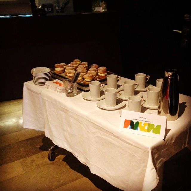 Idag bjuder vi alla våra härliga gäster på hembakta semlor och kaffe. @avalonhotel @design_hotels #fettisdagen #semlor #avalon_gbg #gothenburg #madebyoriginals
