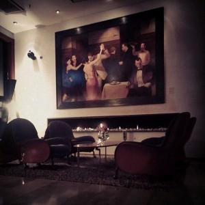 """I vår lobby hittar ni denna vackra tavla gjord utav konstnären Alexander Klingspor. Konstverket heter """"Avalon"""" och är speciellt framtagen till hotellet. @avalonhotels @design_hotels"""
