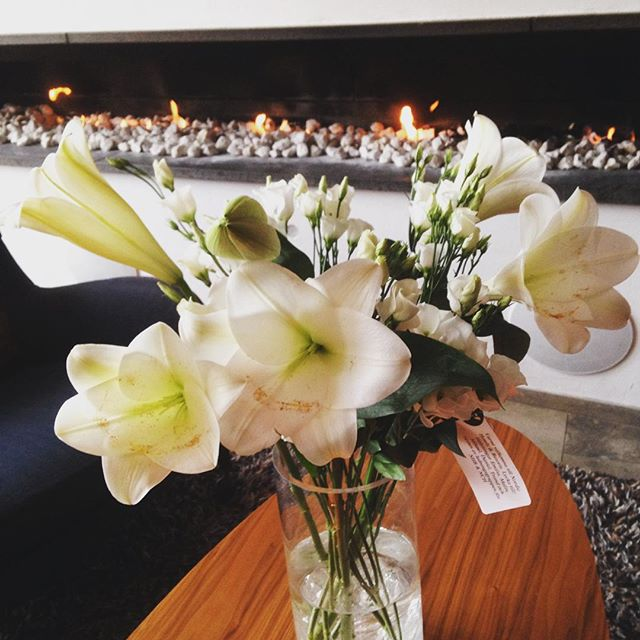 Med dessa vackra blommor blev vi välkomnade till vår nya familj, Nordic Hotels & Resorts. Mer information finns här: https://goo.gl/SLmc1Q @avalonhotel @design_hotels @nordicchoice @nordichotels #designhotels #madebyoriginals #hotelavalon #avalon #avalonhotel #göteborg #gothenburg