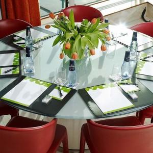 MEET & EAT! Are you or your business planning a conference? Our meeting rooms at Avalon is most suitable for smaller and more relaxed meetings that stimulates conversation and exchanges. - See more or book at: http://www.avalonhotel.se/en/meetings/meet-eat/ Planerar du eller ditt företag en konferens? Våra mötesrum på Avalon passar allra bäst för mindre och mer avspända möten, som stimulerar till samtal och utbyten. – Läs mer eller boka på: http://www.avalonhotel.se/motas/meet-eat/
