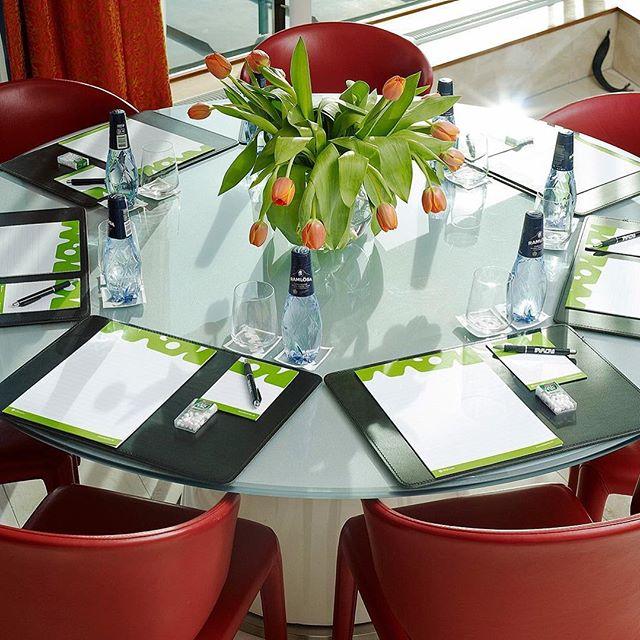 MEET & EAT! Are you or your business planning a conference? Our meeting rooms at Avalon is most suitable for smaller and more relaxed meetings that stimulates conversation and exchanges. - See more or book at: http://www.avalonhotel.se/en/meetings/meet-eat/ Planerar du eller ditt företag en konferens? Våra mötesrum på Avalon passar allra bäst för mindre och mer avspända möten, som stimulerar till samtal och utbyten. – Läs mer eller boka på: http://www.avalonhotel.se/motas/meet-eat/ #avalonhotel #hotelavalon #avalon #avalon_gbg #göteborg #gothenburg #designhotel #hotelgothenburg #gothenburghotel #gbg #madebyoriginals #storstadsliv #haveagreatday #conference #conferencegothenburg #konferens