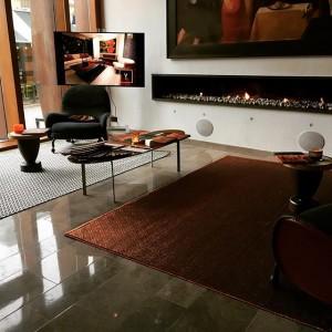 Idag är det Skandinavisk premiärvisning för dessa exklusiva mattor från Verdi Design. Mattorna har invävda ädelmetaller, är skräddarsydda och innehåller 100% naturliga och biologiskt nedbrytbara fibrer och färger. Läs mer på verdiscandinavia.se @avalonhotel @nordichotels @nordicchoice @design_hotels