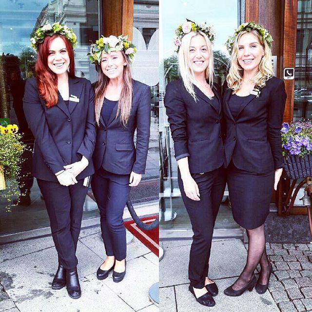 Glad midsommar från oss på Avalon! Ni som checkar in idag blir bemötta av dessa fantastiska tjejer, som dagen till ära har gjort egna midsommarkransar. @avalonhotel @nordichotels @nordicchoice @design_hotels #avalon_gbg #designhotels #madebyoriginals #hotelavalon #avalon #avalonhotel #göteborg #gothenburg #neveraverage #attitudeiseverything #avaloncrew #bästisverige #midsommar